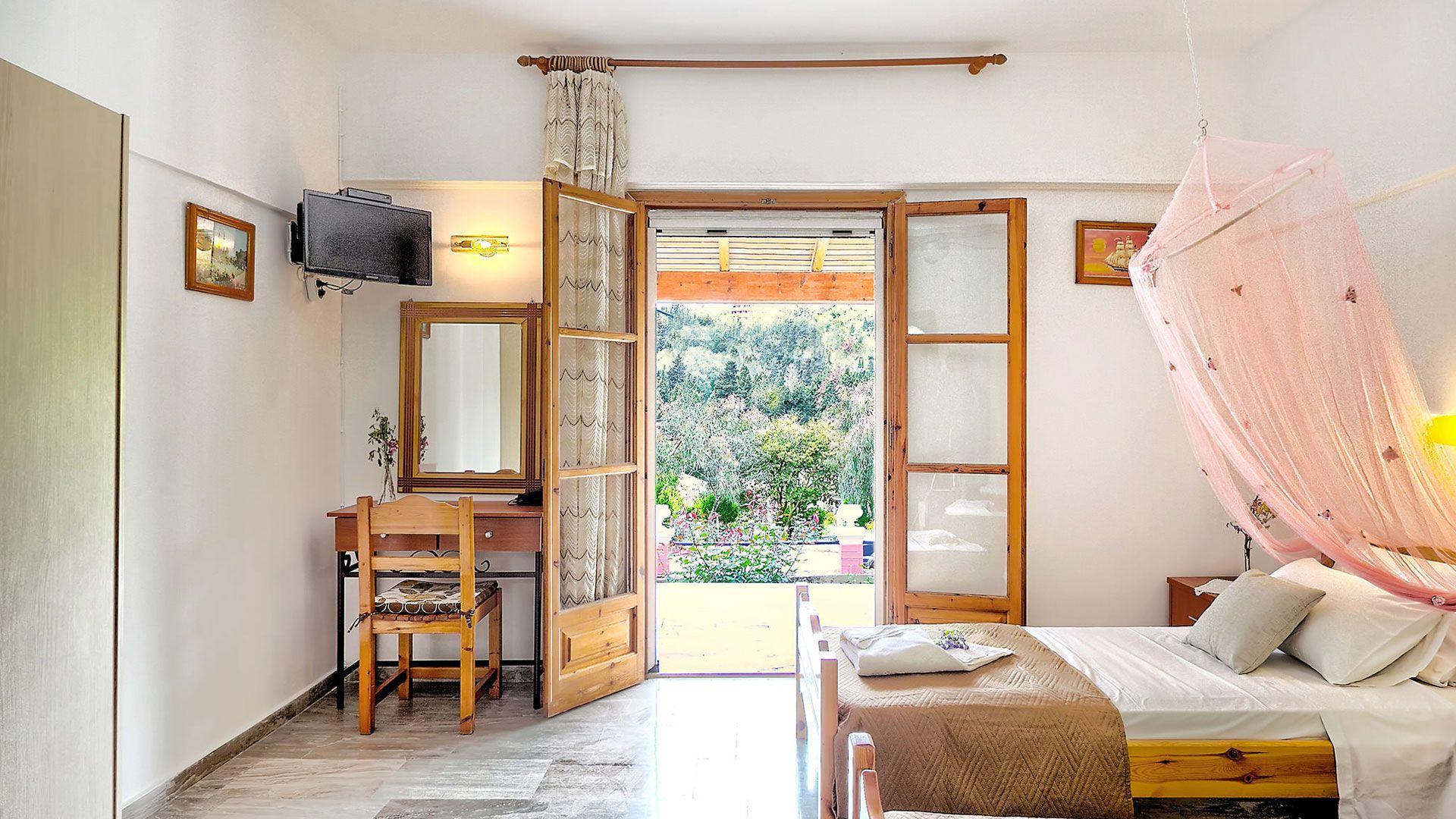 studio bedroom overview